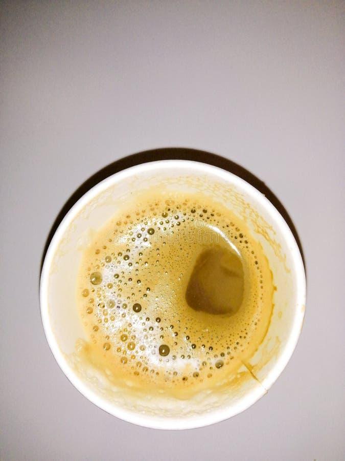 Caf? en un vidrio fotografía de archivo libre de regalías