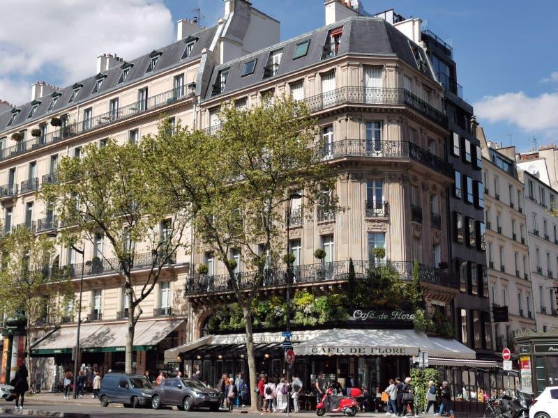 Cafe de Flora, Παρίσι στοκ φωτογραφίες
