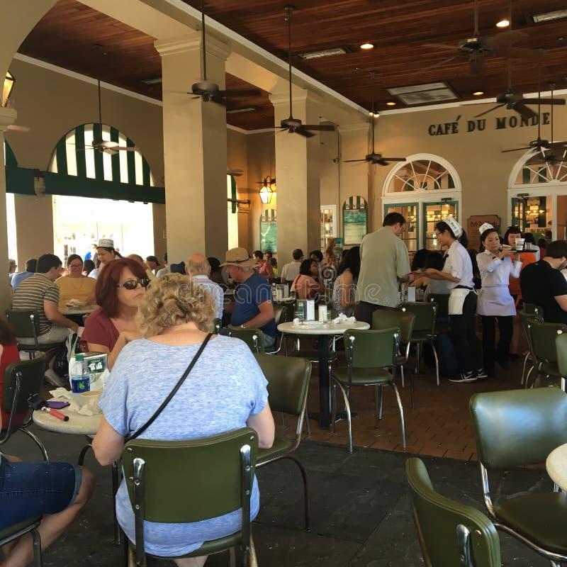Cafe du Monde,新奥尔良 免版税库存照片
