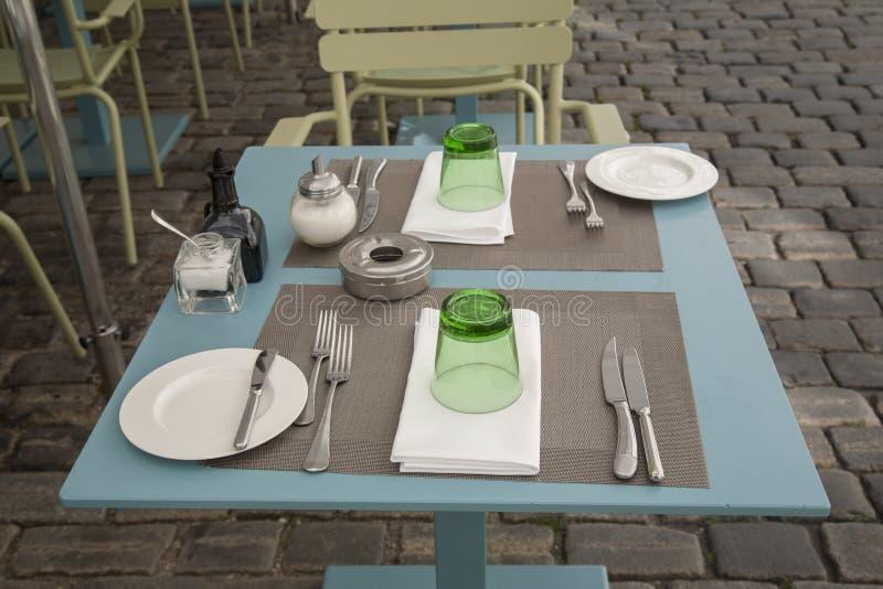 cafe krzeseł tabel obraz stock