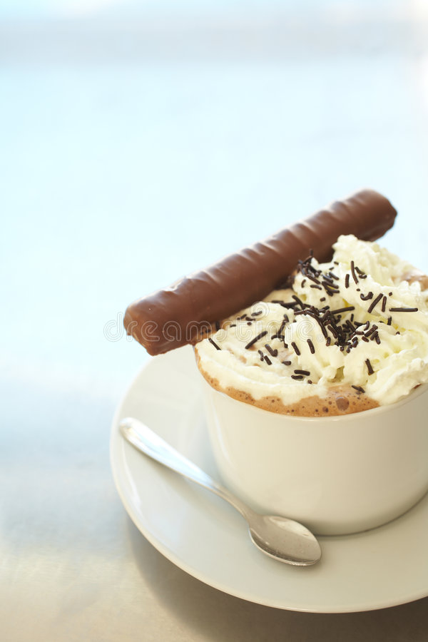 Cafe latte in coffee cup royalty free stock photos