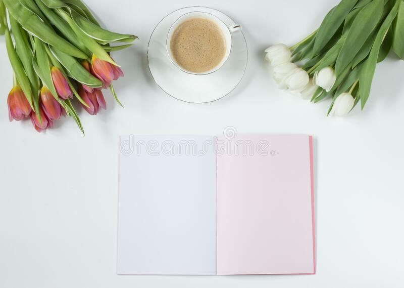 Cafe Latte on a White Ceramic Tea Cup royalty free stock photos