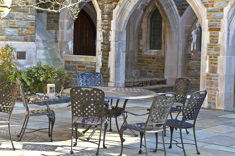 Download Cafe' Outdoors Royalty Free Stock Photography - Image: 18705347