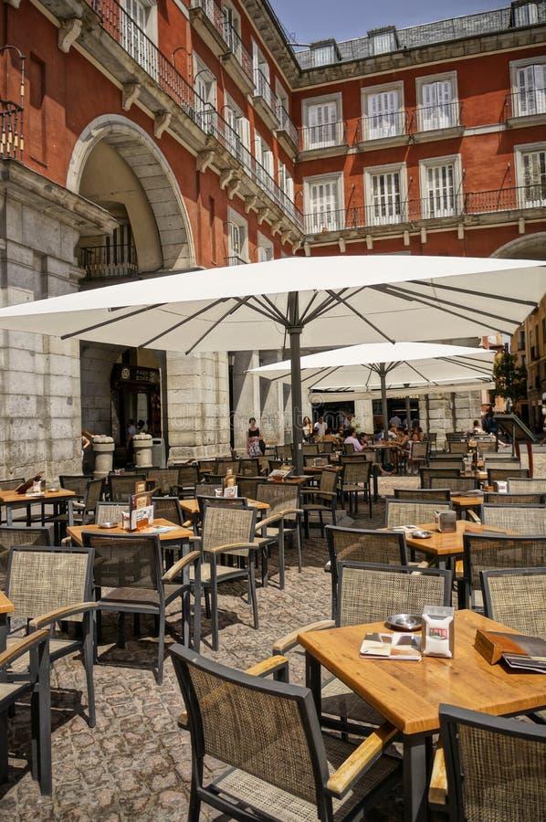 Cafes på Plazaborgmästare arkivfoto
