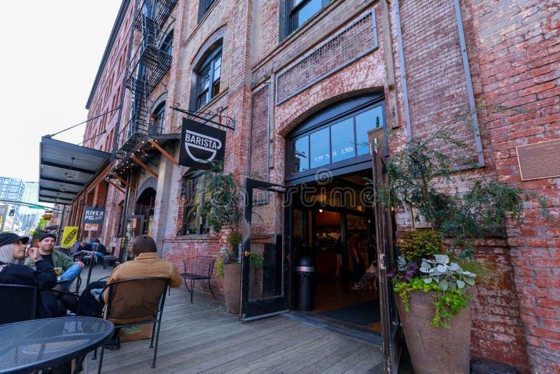 Cafetería de Barista en el distrito de la perla de Portland fotos de archivo