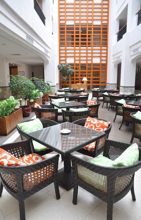 Cafetería del atrio del hotel fotos de archivo libres de regalías