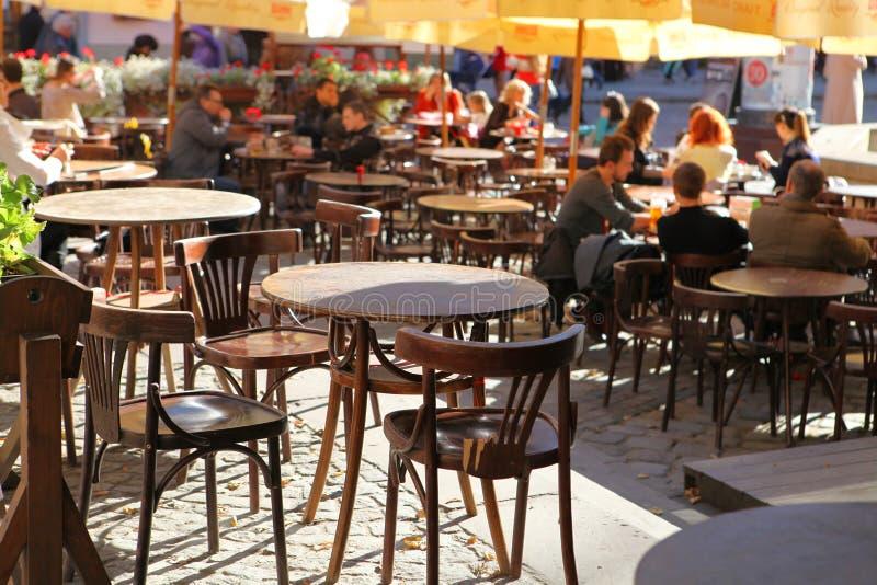 Cafetería en la calle imagen de archivo