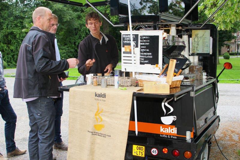 Cafetería móvil en el coche, Países Bajos fotografía de archivo