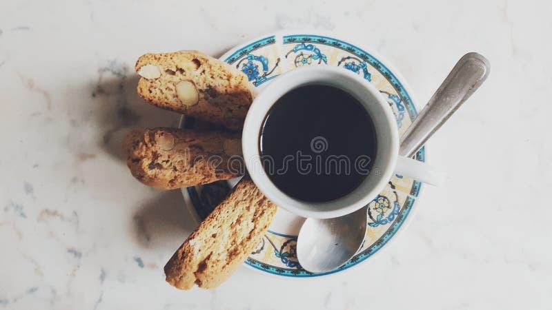 Caffè y Cantuccini imagen de archivo