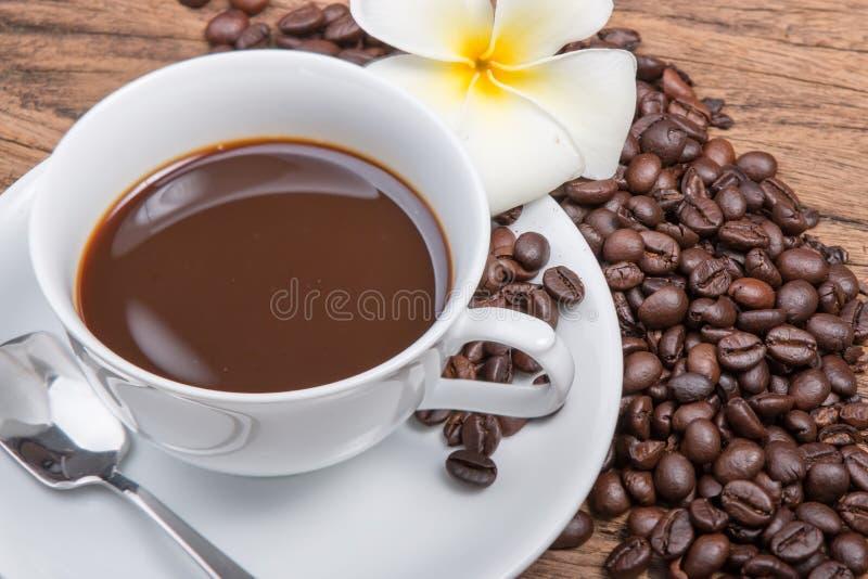 Download Caffè immagine stock. Immagine di caffeina, squisito - 55362895