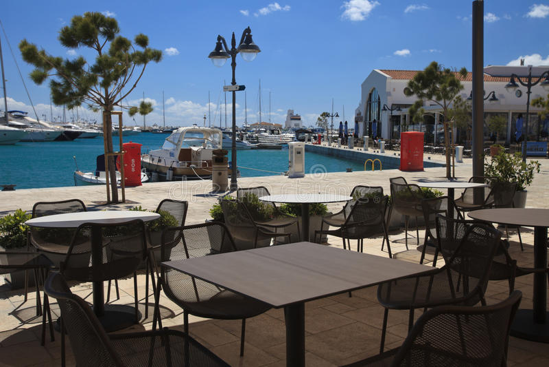Caffè al porticciolo a Limassol cyprus fotografia stock libera da diritti