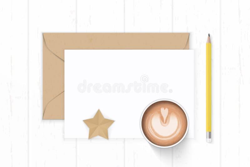 Caffè bianco elegante del mestiere di forma della stella della busta di Kraft della carta da lettere della composizione posto pia fotografie stock