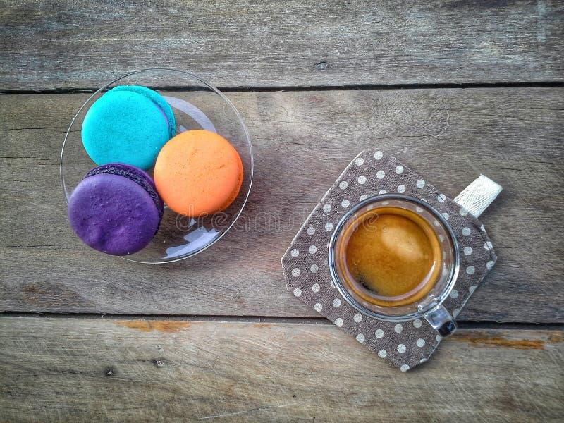 Caffè con macaron immagine stock libera da diritti