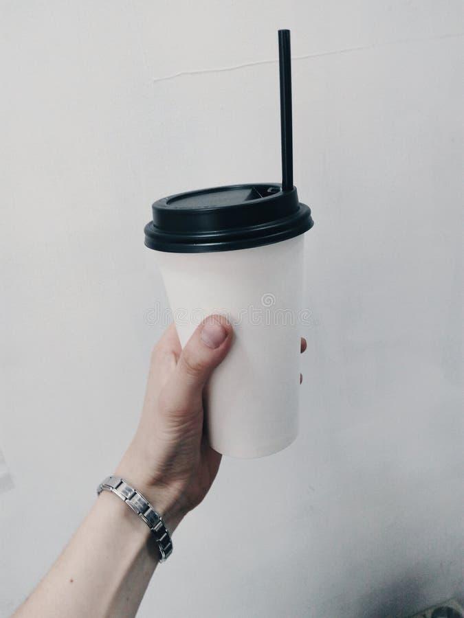 caffè da andare amore mobile estetico di ispirazione immagini stock