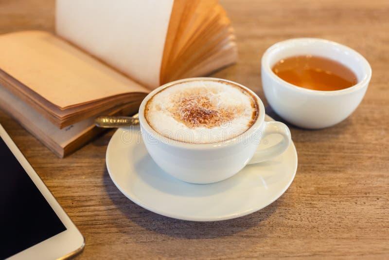 Caffè del Cappuccino time immagini stock