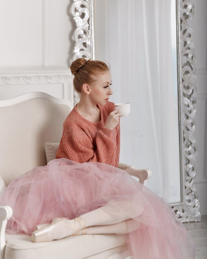 Caffè della bevanda della ballerina fotografie stock