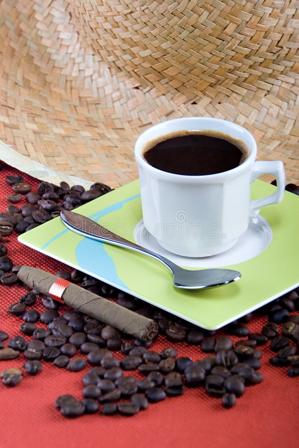 Caffè e sigaro immagine stock libera da diritti