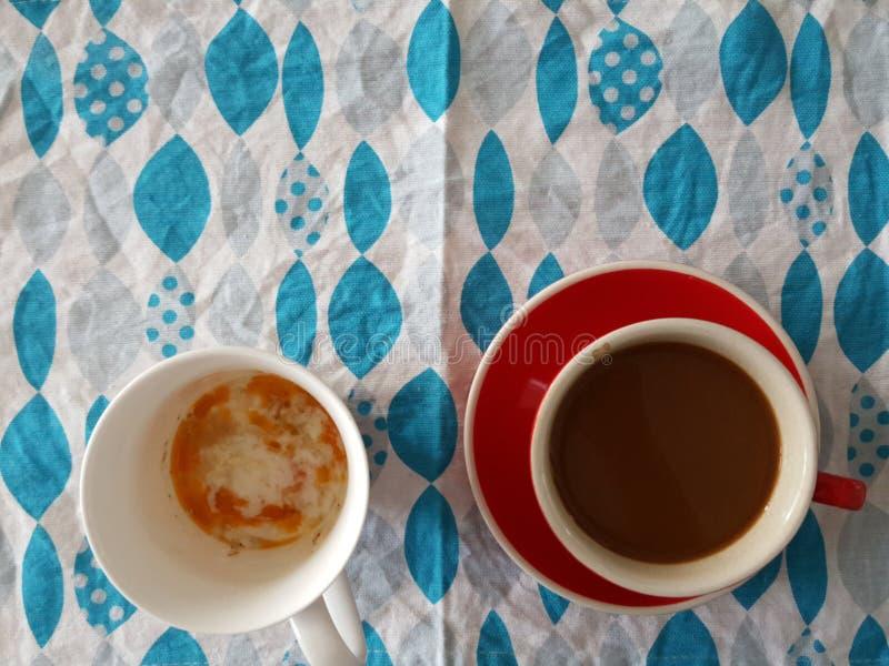Caffè e uova sode molli fotografia stock