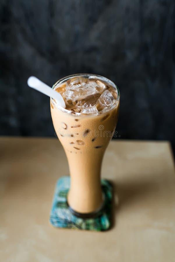 Caffè ghiacciato con la composizione nel copyspace immagine stock libera da diritti