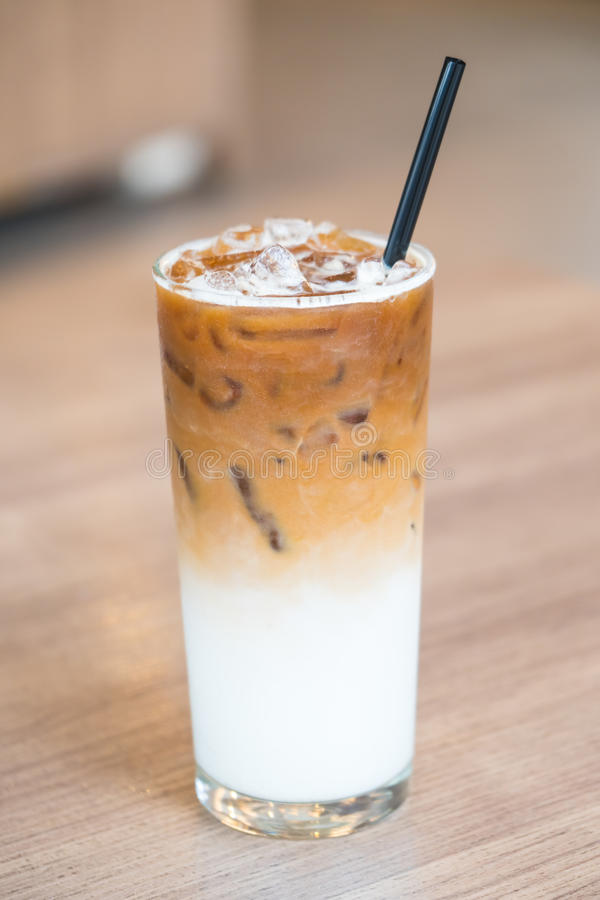 Caffè ghiacciato del latte immagini stock
