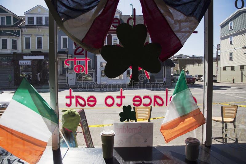Caffè interno, parata del giorno di St Patrick, 2014, Boston del sud, Massachusetts, U.S.A. fotografia stock libera da diritti