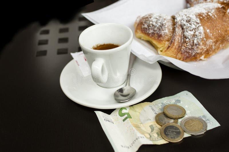 Caffè per soldi fotografia stock libera da diritti