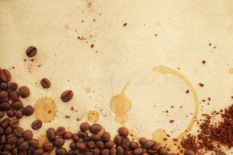 Download Caffè su vecchia carta fotografia stock. Immagine di alimento - 55364592