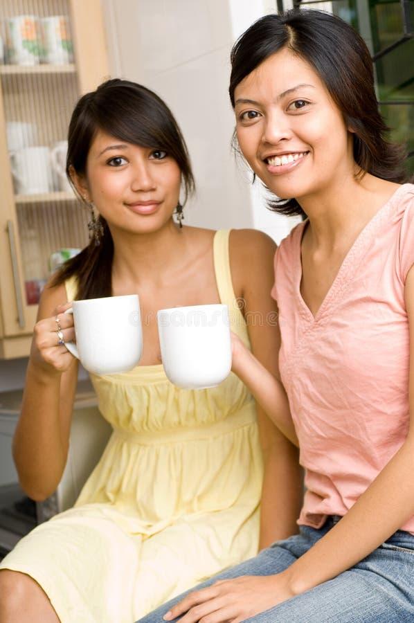 Caffè/tè con gli amici immagine stock libera da diritti