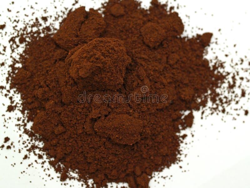 Download Caffè a terra immagine stock. Immagine di macro, bianco - 3892541