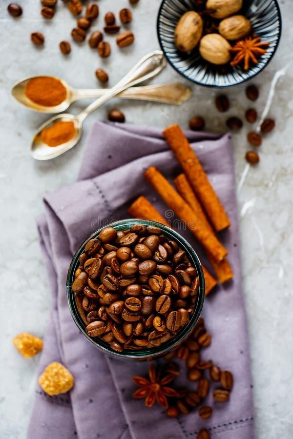 Caff? e spezie immagine stock