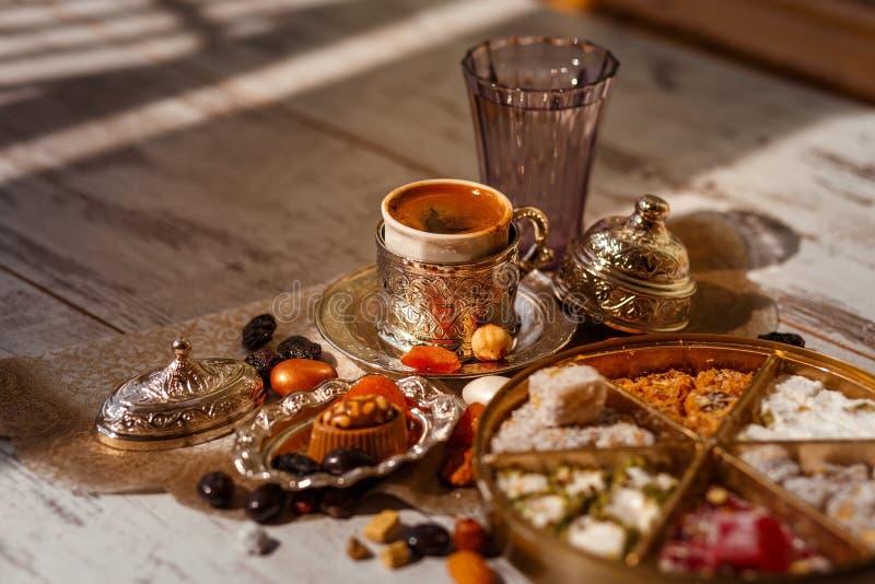 Caff? turco tradizionale su Bayram immagini stock libere da diritti