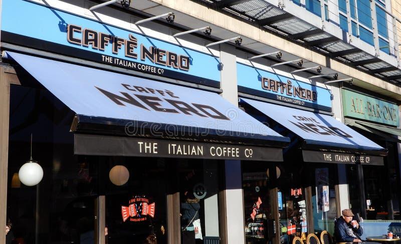 Caffe Nero e tudo barra uma imagem de stock