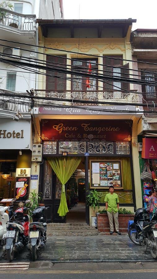 Caffetteria nel vecchio quarto di Hanoi fotografia stock