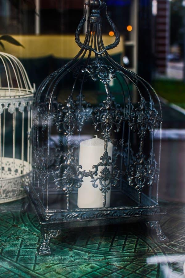 Cage de metak d'oiseau Décorations de mariage Chandelier décoratif photos libres de droits