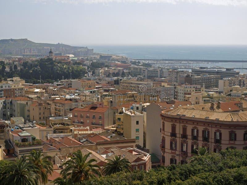 Cagliari, vista dalla vecchia città, Sardegna, Italia immagini stock libere da diritti