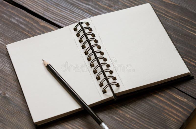 Cahier de croquis vide photographie stock libre de droits