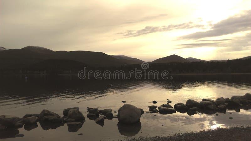 Cairngorms Lakeview Escócia fotografia de stock royalty free
