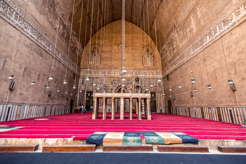18/11/2018 Cairo, Egypt, interior of the main hall for the prayers of the ancient and largest mosque in Cairo with many elements. Of oriental design stock photo
