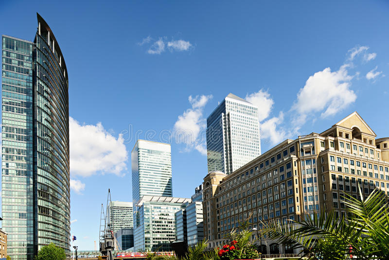 Cais amarelo Londres Inglaterra Reino Unido imagem de stock royalty free
