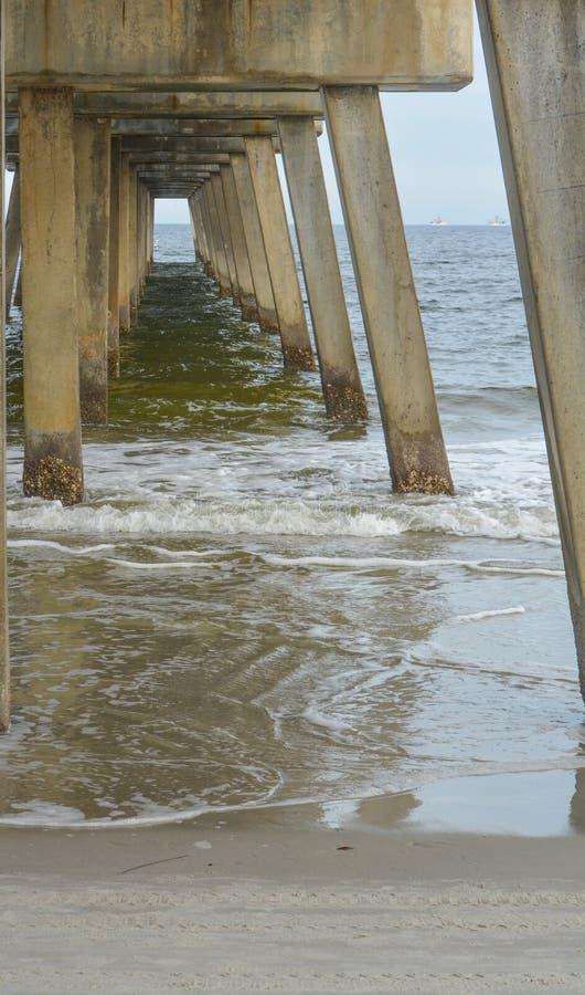 Cais da praia de Jacksonville no Condado de Duval, Florida imagens de stock