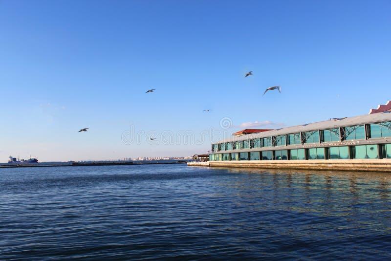 Cais de Konak do lado de mar foto de stock royalty free