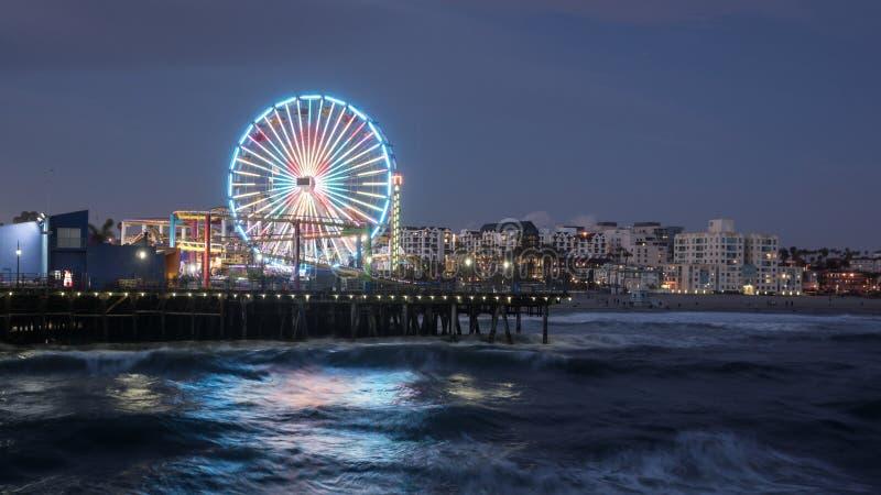 Cais de Santa Monica na noite fotos de stock