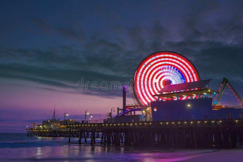 Cais de Santa Monica na noite fotografia de stock royalty free