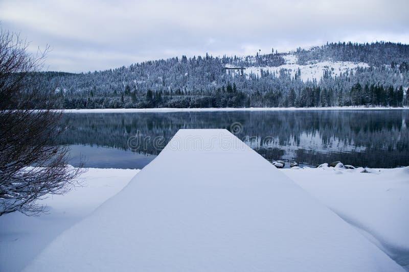 Cais do lago Donner no inverno imagem de stock royalty free