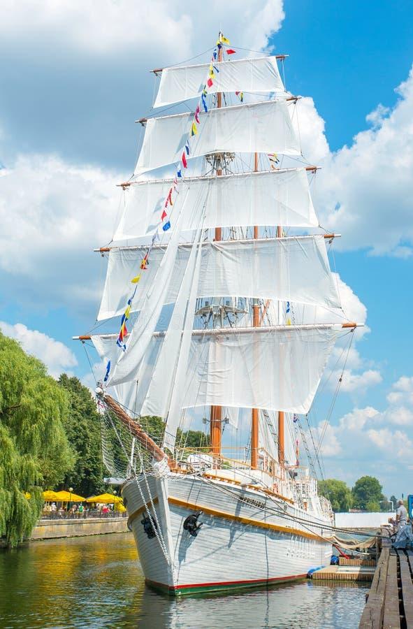 Cais dos dinamarqueses - embarcação de navigação Meridianas fotografia de stock royalty free