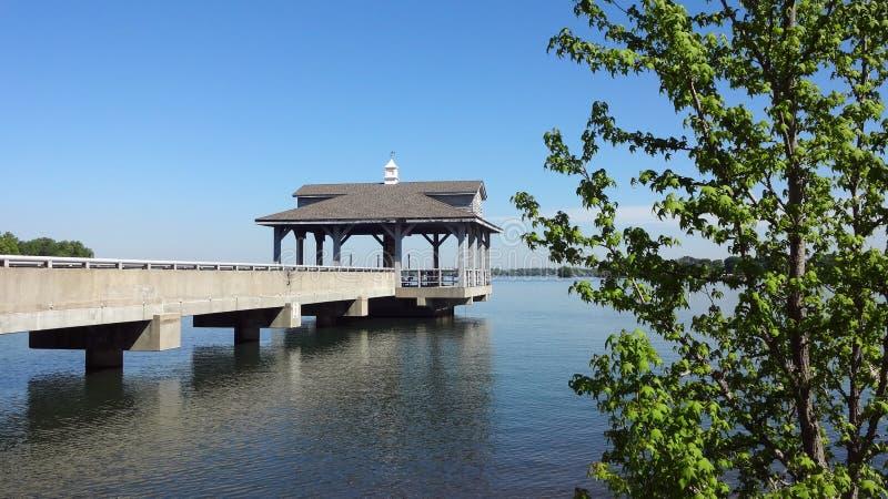 Cais em Blythe Landing no normando do lago em Huntersville, North Carolina fotografia de stock