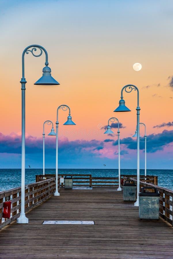 Cais em Daytona Beach Florida fotos de stock