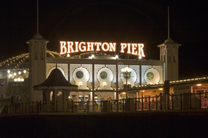 Cais Inglaterra sul de Brigghton na noite fotos de stock