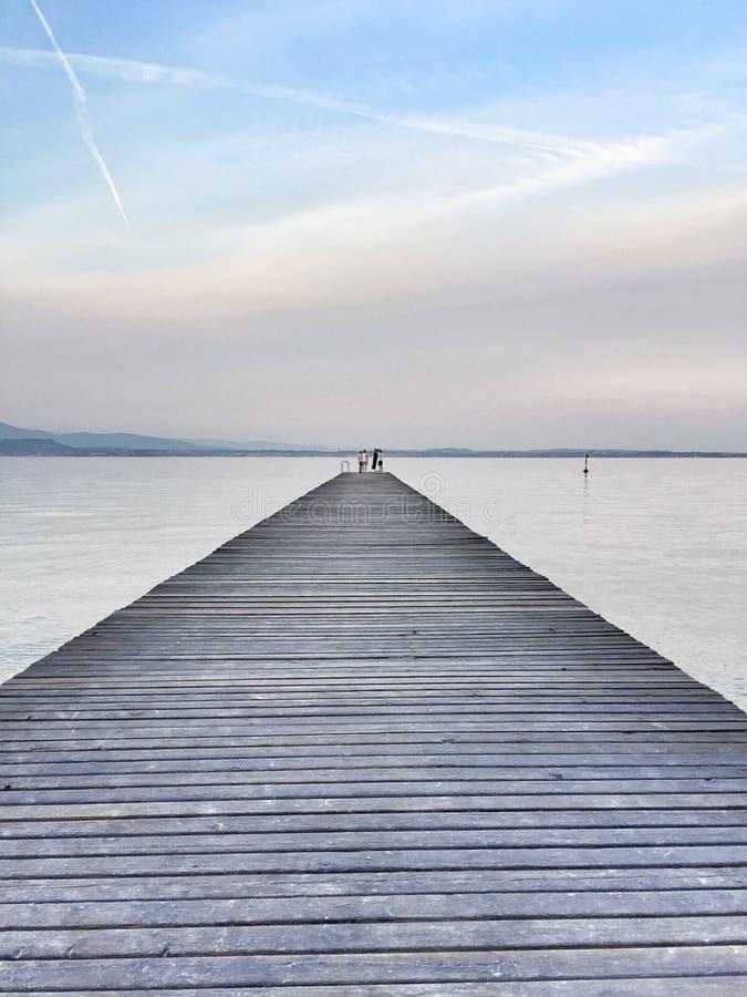 Cais no lago Garda fotos de stock royalty free