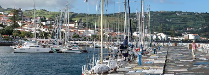 Cais no porto em Horta (ilha de Faial, Açores) fotografia de stock royalty free